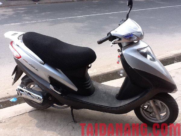 cho-thue-xe-may-tai-da-nang (2)