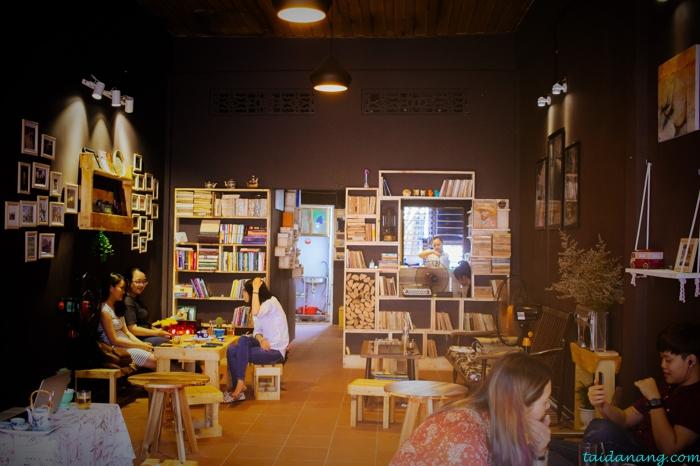la pensee cafe & librairie