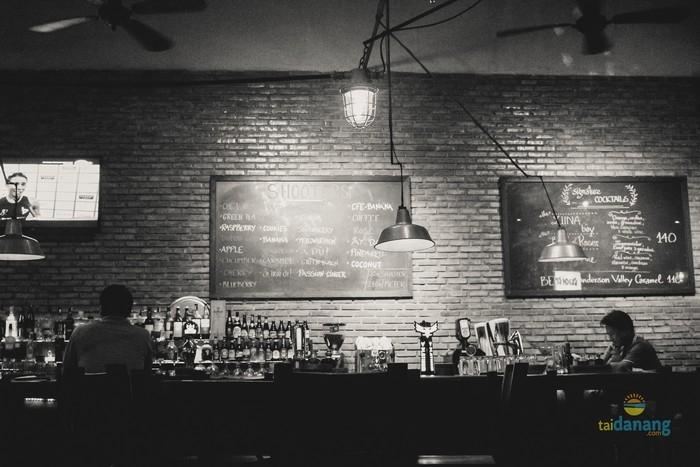 Luna Pub Da Nang