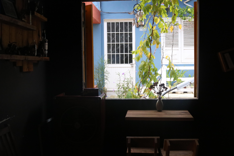 Chốn mộng mơ cho kẻ lãng du ở La pensée café Librairie  - 1.1